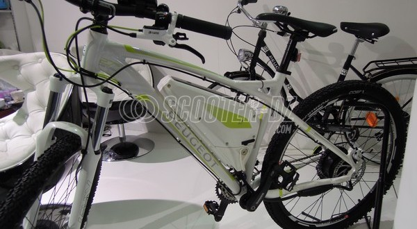 vtt lectrique avec le em 02 de peugeot cycles. Black Bedroom Furniture Sets. Home Design Ideas