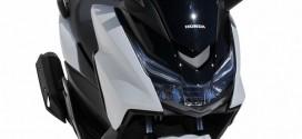 Le Honda Forza 125 habillé par Ermax
