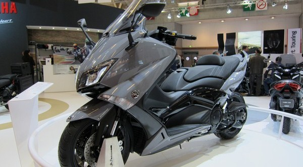 yamaha alg rie t max 530 lux max iron max sont l scooter dz. Black Bedroom Furniture Sets. Home Design Ideas