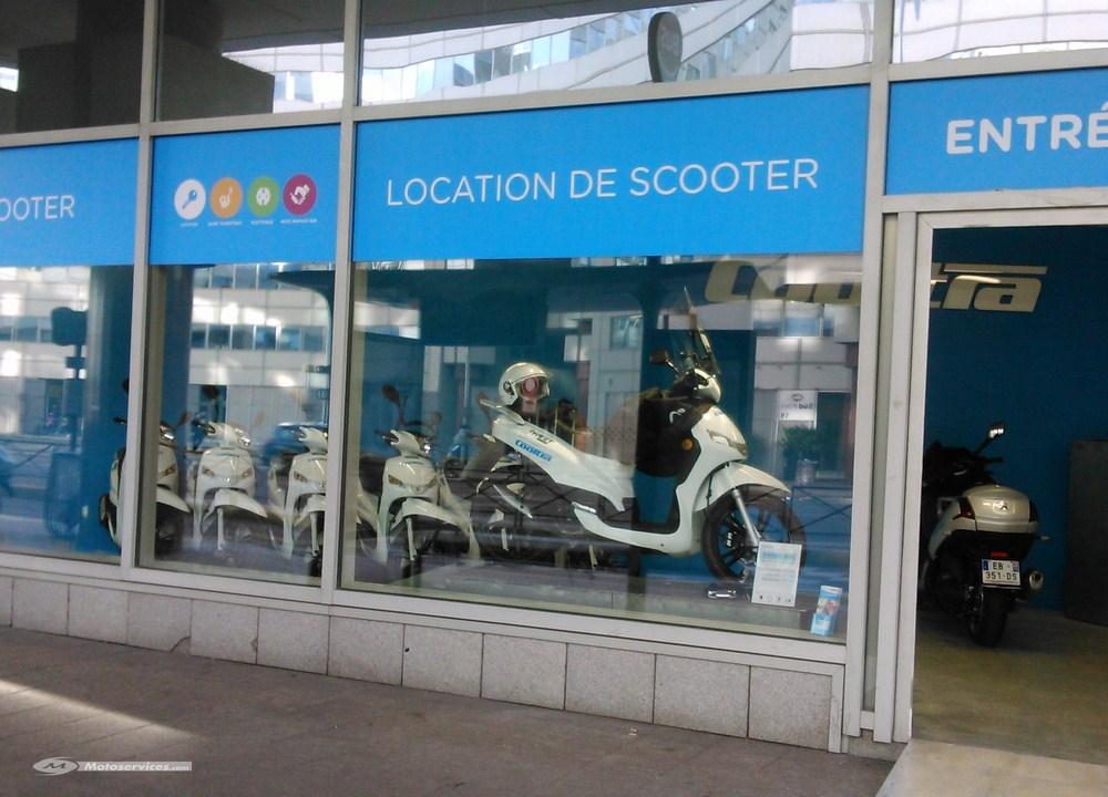 cooltra des scooters et motos lectriques louer paris scooter dz. Black Bedroom Furniture Sets. Home Design Ideas