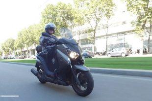Choisir son tablier et ses manchons scooter : nos tests et tutoriels