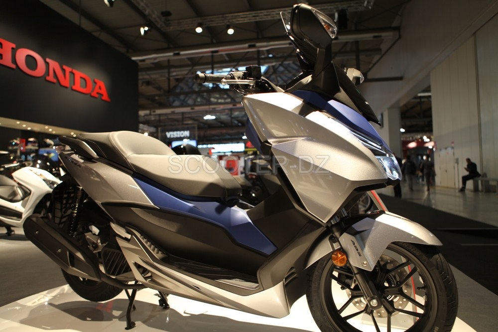 live eicma 2016 honda les nouveaut s scooters 2017 scooter dz. Black Bedroom Furniture Sets. Home Design Ideas