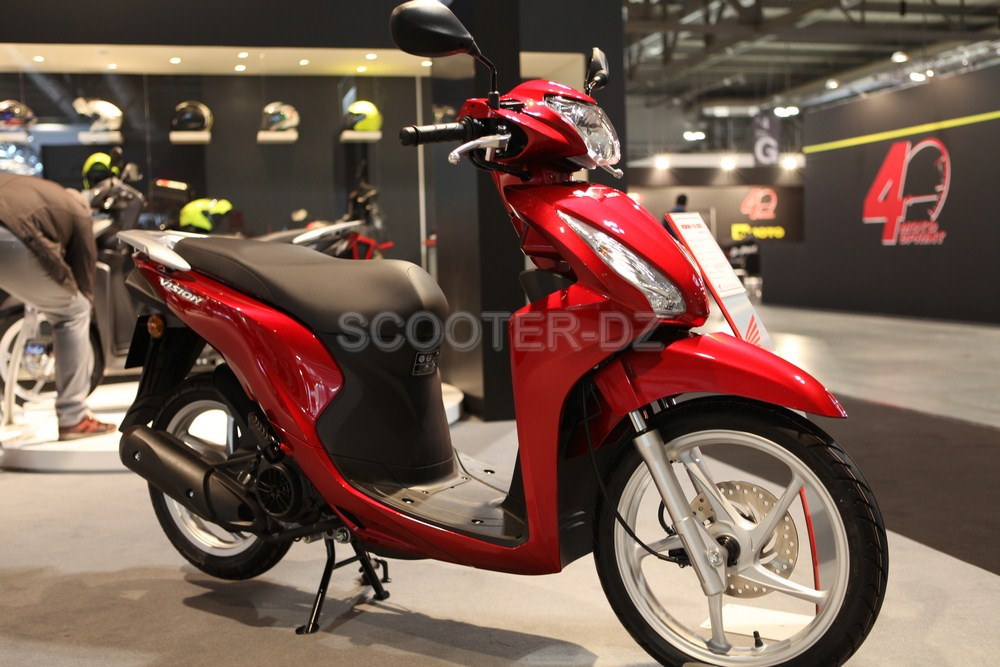 live eicma 2016 honda les nouveaut s scooters 2017. Black Bedroom Furniture Sets. Home Design Ideas