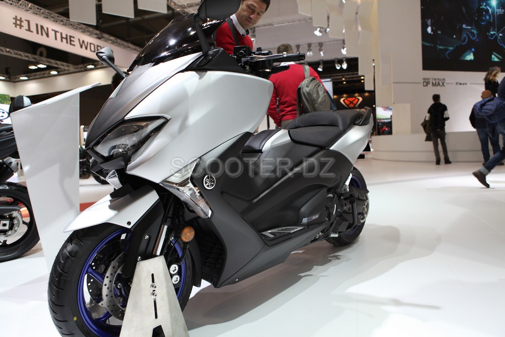 live eicma 2016 yamaha tmax 530 2017 pas 1 mais 3 scooter dz. Black Bedroom Furniture Sets. Home Design Ideas