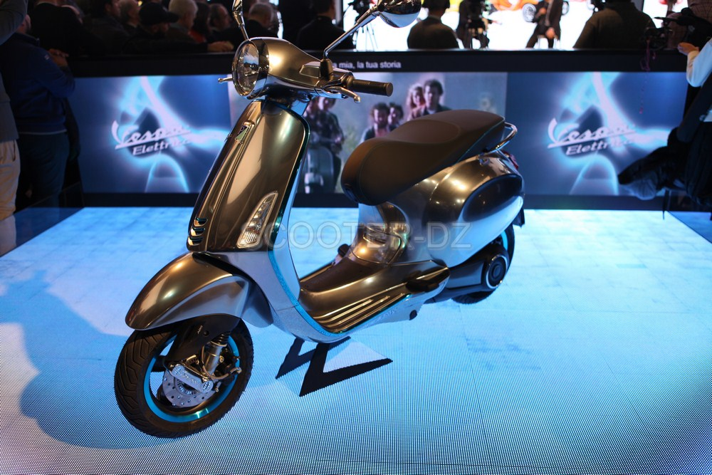 live eicma 2016 piaggio scooter lectrique avec la. Black Bedroom Furniture Sets. Home Design Ideas