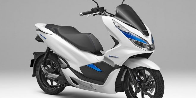 honda un pcx 125 lectrique et un hybride tokyo scooter dz. Black Bedroom Furniture Sets. Home Design Ideas