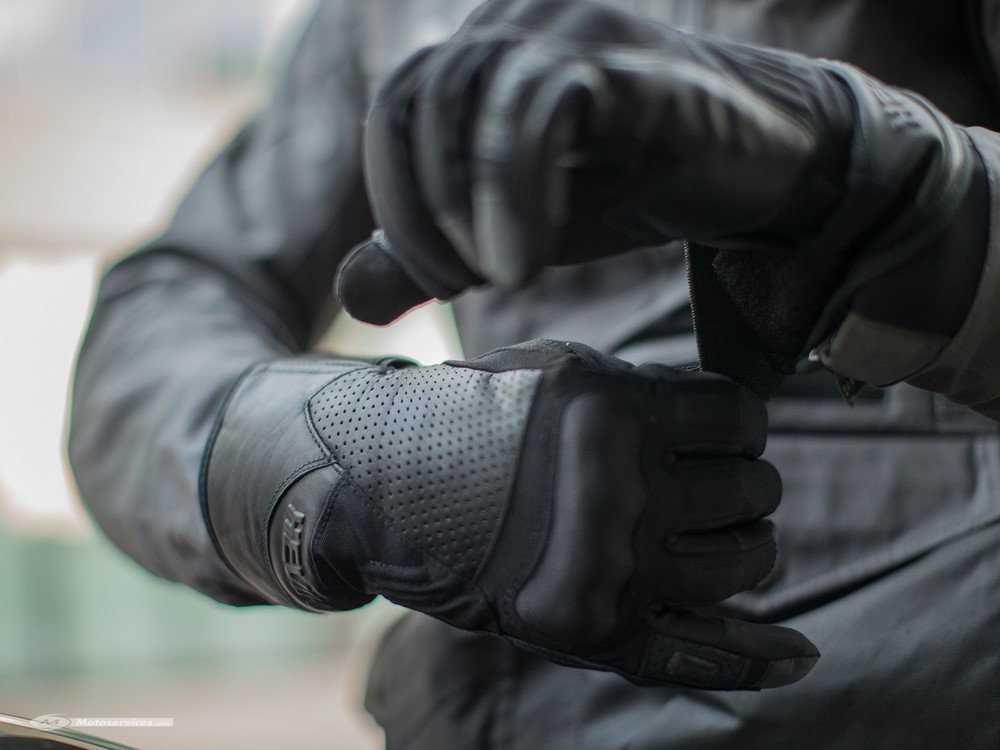 Gants Hevik Rock Dark R : protection en hiver à petit prix