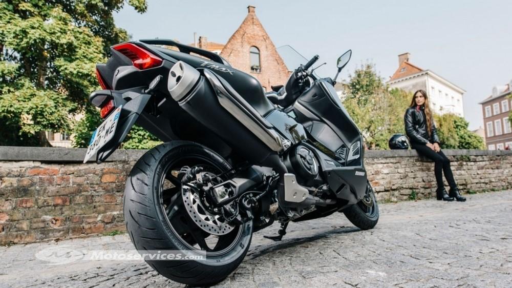 Pneus scooter Bridgestone Battlax SC2 et SC2 Rain : du grip pour les maxis !