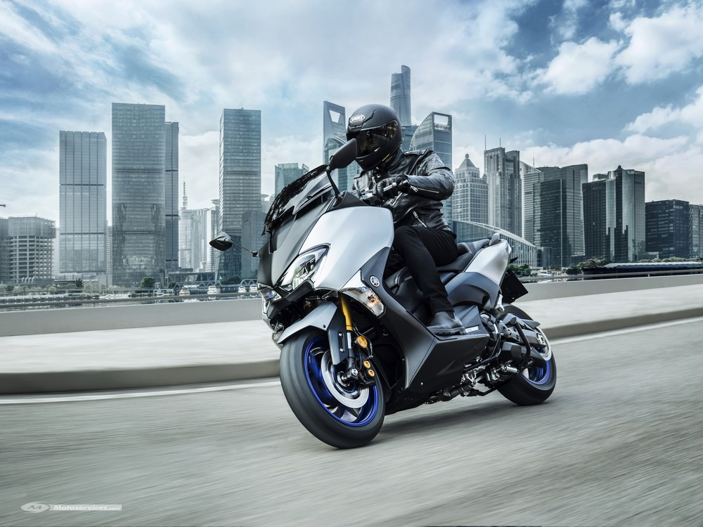 yamaha tmax sx sport edition 2018 le 530 retrouve sa s rie sp ciale scooter dz. Black Bedroom Furniture Sets. Home Design Ideas