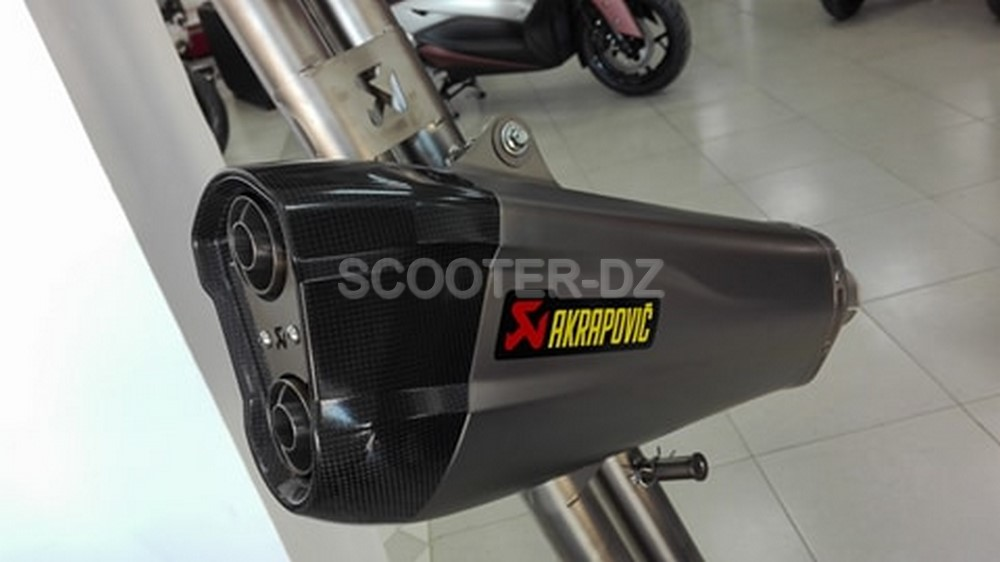 prox4 propose les pots akrapovic pour xmax 300 et tmax 530 scooter dz. Black Bedroom Furniture Sets. Home Design Ideas