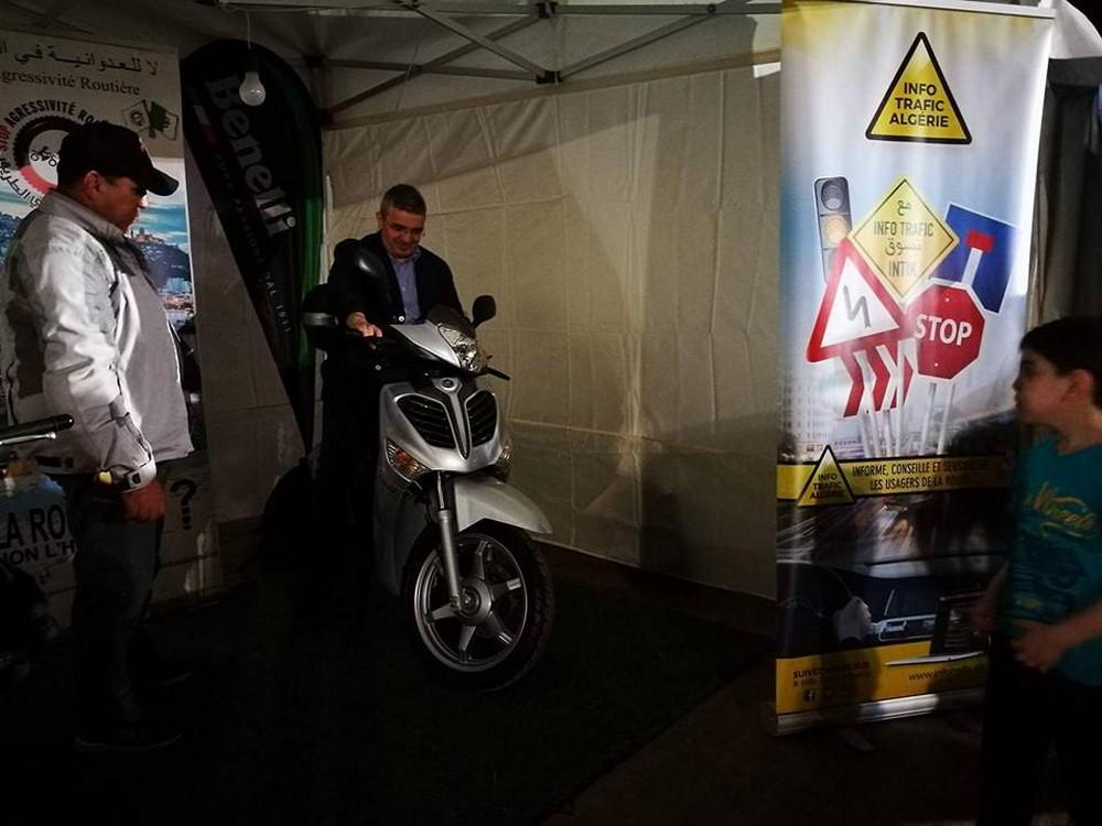 Stop Agressivité Routière et VMS Industrie aux Sablettes pour la prévention routière